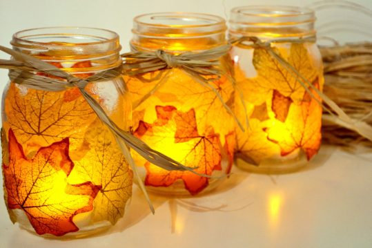 autumn-leaf-mason-jars4-1024x683